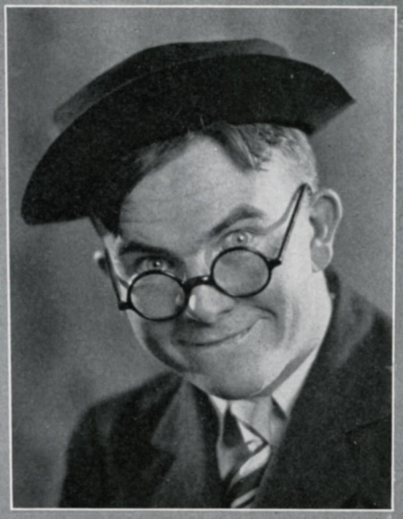 Milton Caniff, 1927