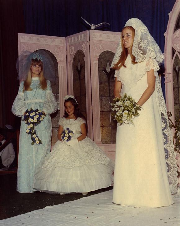 Women pose at the Ohio State University Bridal Fair, 1970s